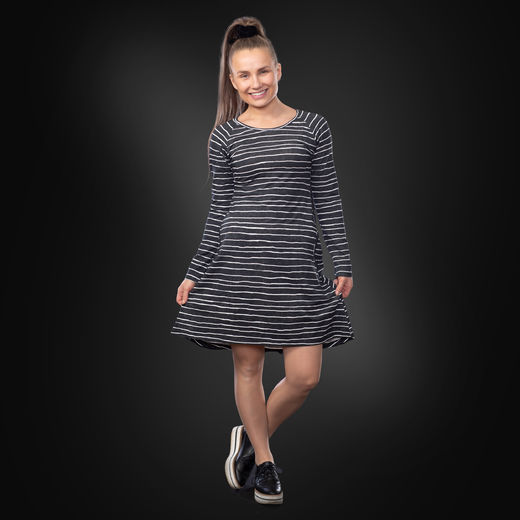 ANNAdress (Jemmaraita black/white tricot)